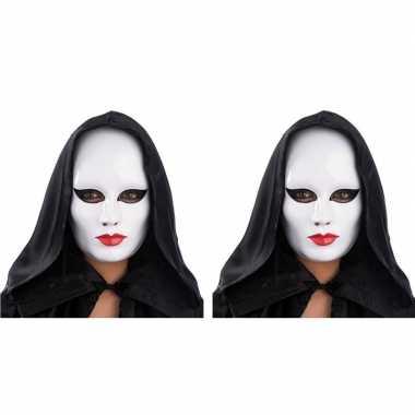 2x vrouwen masker wit met rode lippen