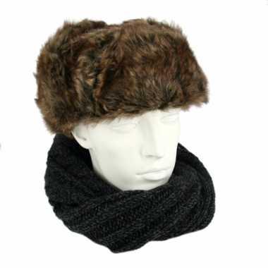 Bruine russische bontmuts polar