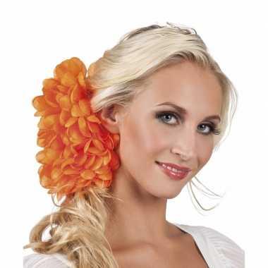 Haarbloem oranje dahlia met clip