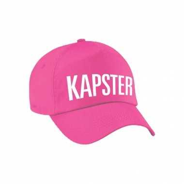 Kapster verkleed pet roze volwassenen