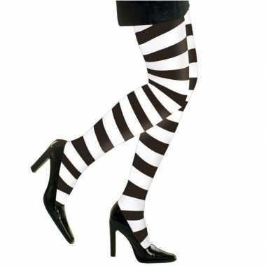 Panty in het zwart wit strepen