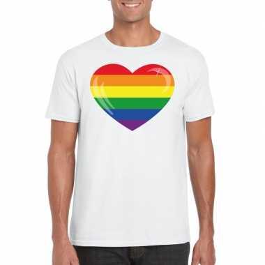 T shirt met regenboog vlag in hart wit heren
